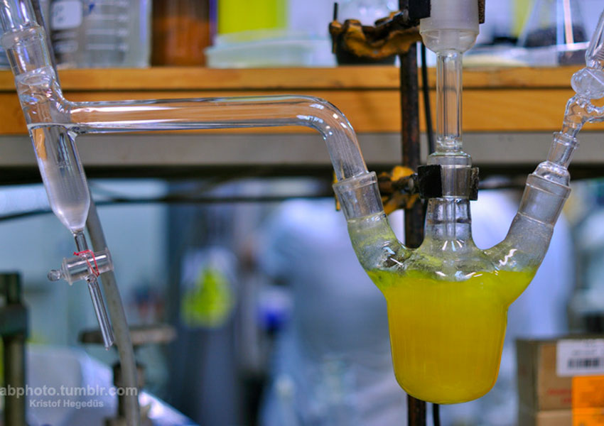 How-do-organic-chemists-remove-solvents-with-high-boiling-points-from-solution
